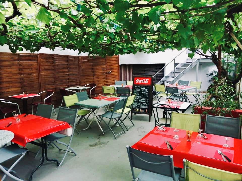 Terrasse ombragée du Jean Jaurès